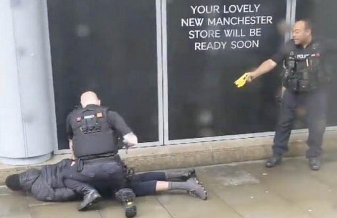 Manchester: aggressione in un centro commerciale
