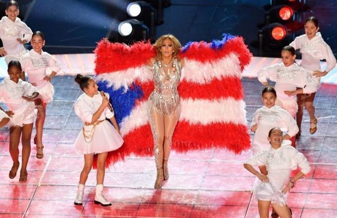 Superbowl 2020: che spettacolo con Shakira e Jennifer Lopez!