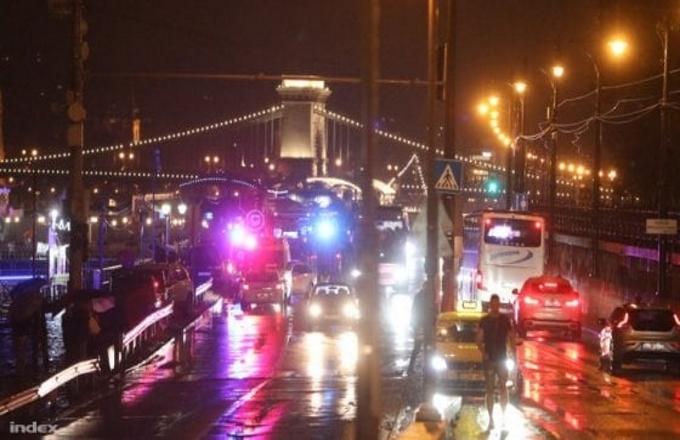 Budapest: collisione in acqua