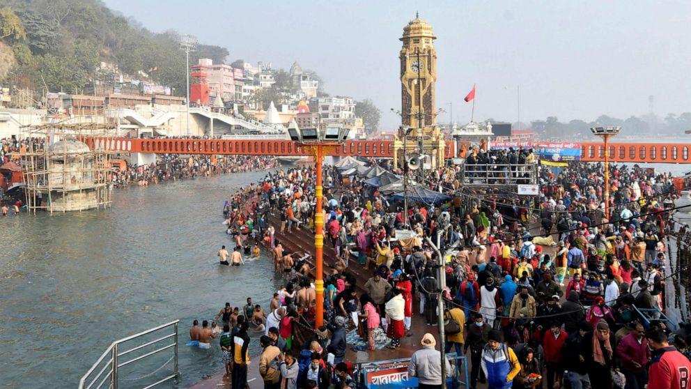 India, il covid non ferma la festa